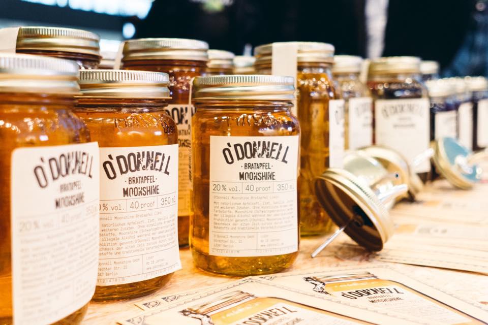 Weizenbrand aus Einmachgläsern? O'Donnel hat das verrufene Getränk von einst wieder zum Leben erweckt und produziert feinsten, deutschen Weizenbrand im Original amerikanischen Einmachglas!